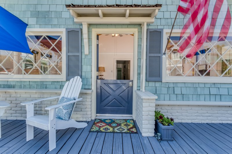 Charming Balboa Island 3 bedroom Cottage, location de vacances à Balboa Island