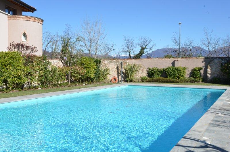 Lake Garda 1 Bedroom WiFi Pool Quiet Comfortable, location de vacances à Prevalle