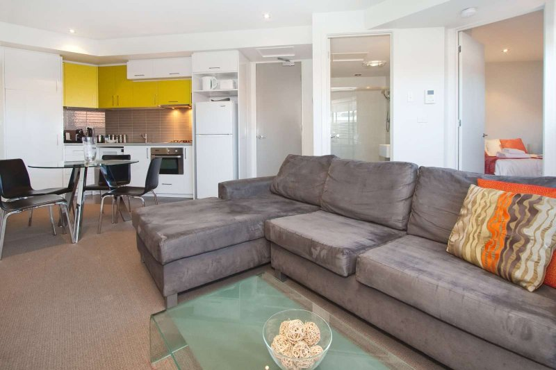 Beautiful 1Br Apartment in the heart of St Kilda – semesterbostad i St Kilda East