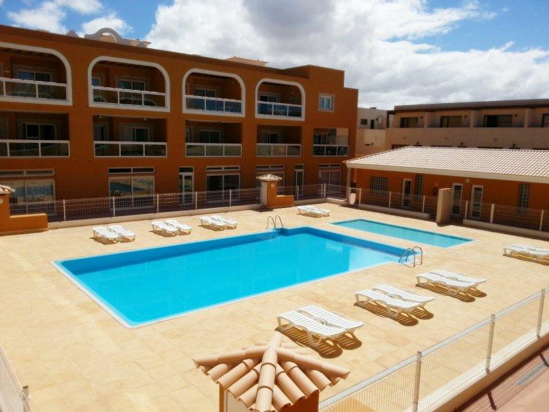 Casa Gaia.Solárium privado-piscina común. POTENTE WIFI-Ideal para teletrabajar, casa vacanza a El Cotillo