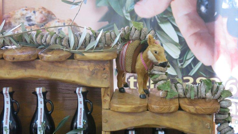 higos secos y el aceite de oliva - productos locales