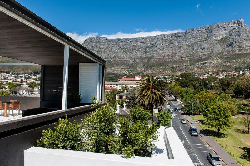Βεράντα με θέα στο Lions Head, Table Mountain και στο Signal Hill