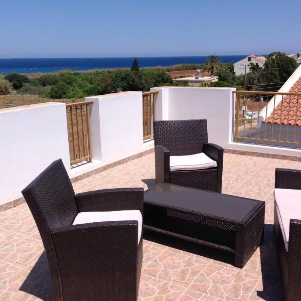 Relax and take in the unobstructed sea views from the roof terrace
