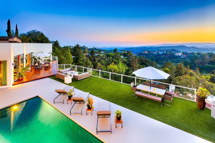Luxury Villa at The Top of Beverly Hills - Outstanding Views from Front to Back!, holiday rental in Beverly Hills