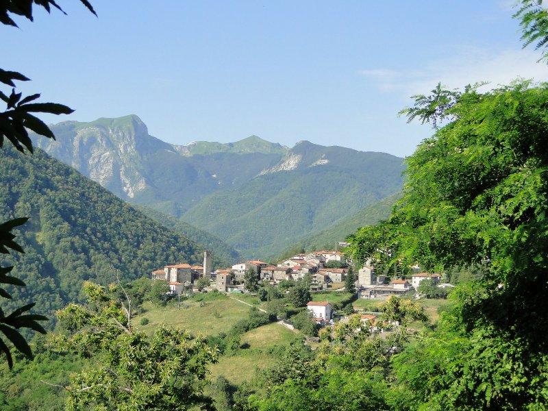Ceci est le petit village de montagne où la maison est située.