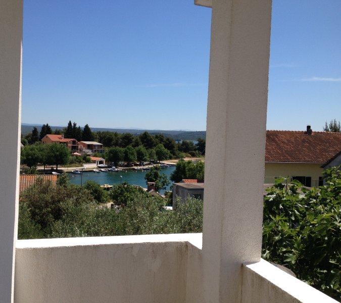 Apartman in Raslina, vacation rental in Raslina