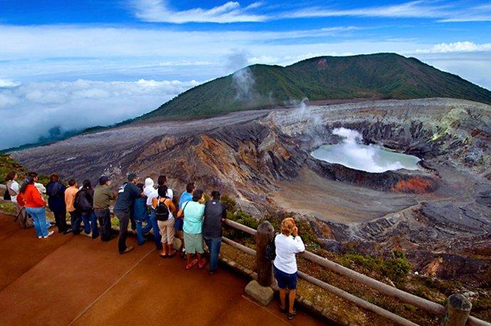 Poas Volcano! Juste 20 minutes de Quinta Esencia! Un des plus grands cratères du volcan dans le monde!