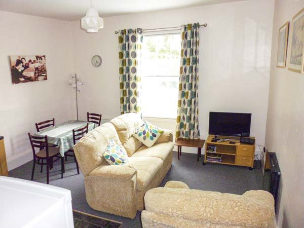 HARLEY APARTMENT, first floor apartment, ideal touring base, plenty to see and, holiday rental in Bishops Castle