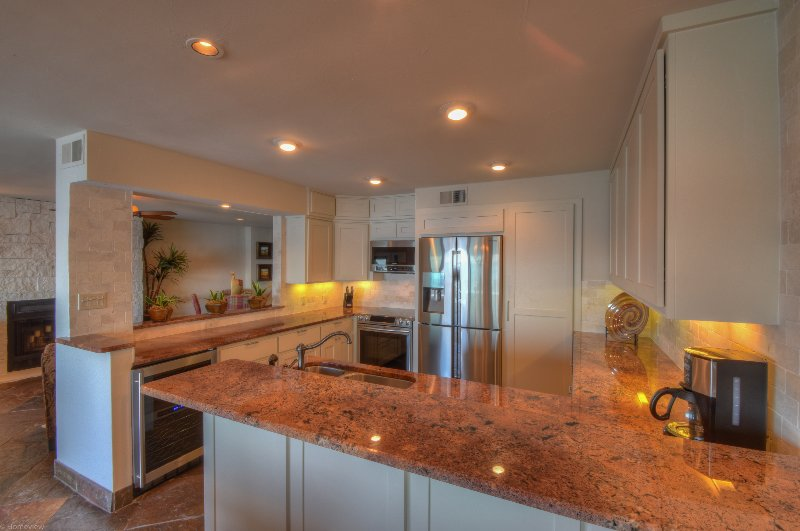 Newly remodeled kitchen (Jan 2016) with top of the line Samsung Appliances offers exceptional room