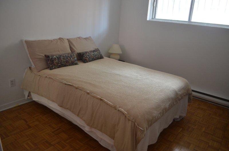 Double bed with extra bedding.  All bedding and towels are freshly washed before each guest arrives.