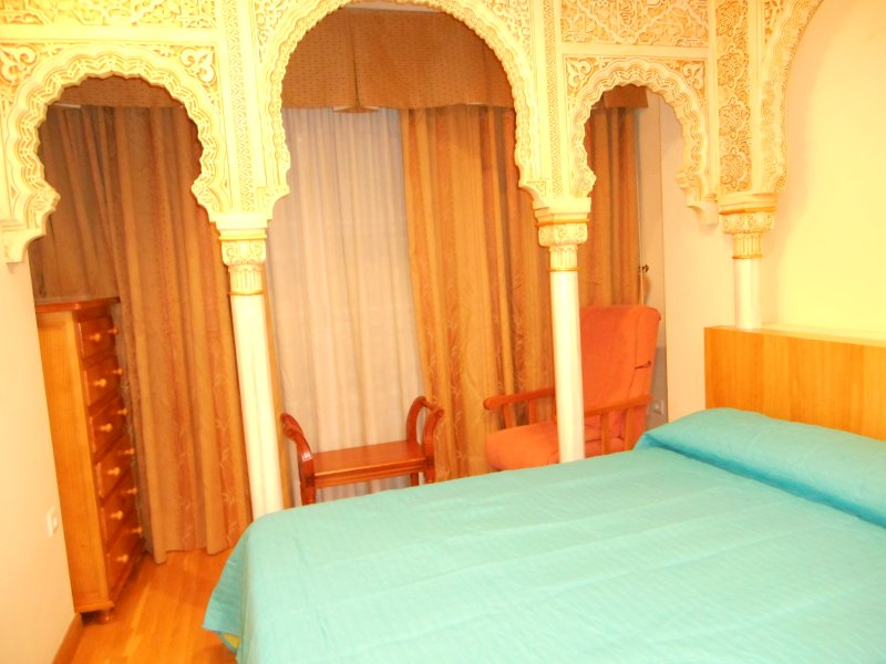 alhambra room special for 6 person