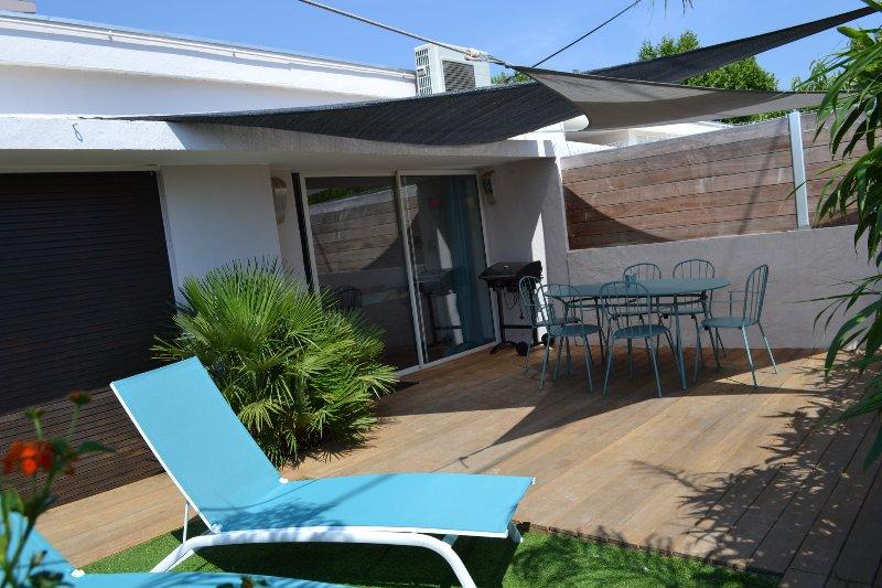 Beau 3 pièces terrasse plages&commerces à pied, holiday rental in Carqueiranne