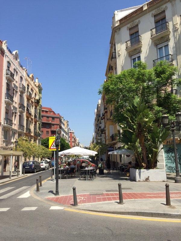 Street/Sorroundings