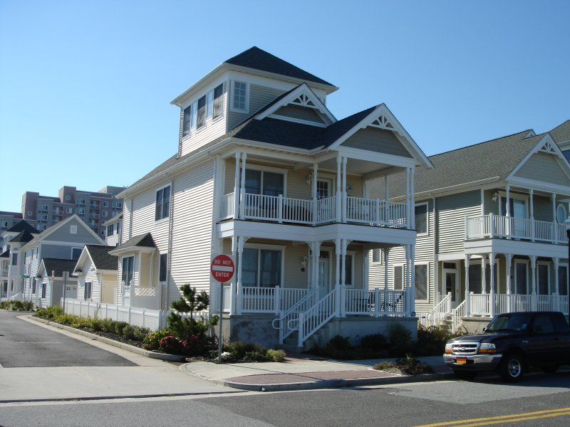 Outside View Of The Lucky Beach House! 3 Floors with 3 Decks!