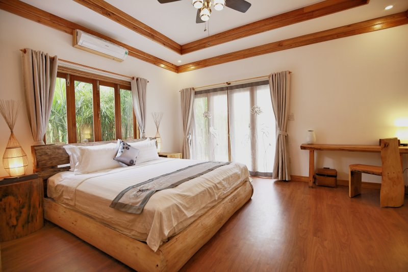 Private luxurious ensuite 2 at the Boathouse, holiday rental in Hoi An