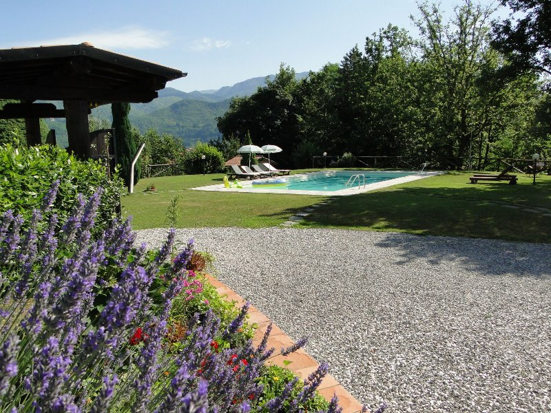 Pool, Garten und Blick