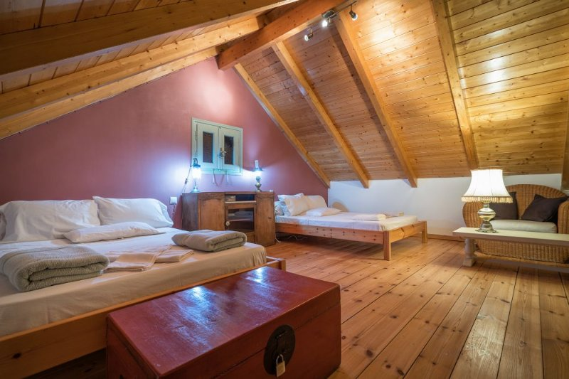Adrieli Country Houses - House with Attic, holiday rental in Kampi