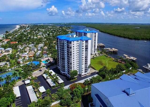 Ocean Harbor #1005B Condo, vacation rental in Fort Myers Beach