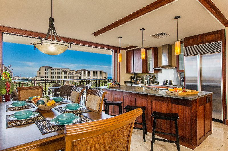 Prachtige 3 bed 3 bad 9e verdieping oceanfront villa. Veel voorzieningen en persoonlijke charme!
