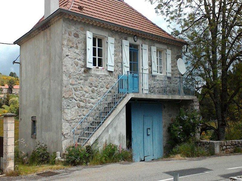 Maison du pont de Rieutord Haute ardèche, vakantiewoning in Lachapelle-Graillouse