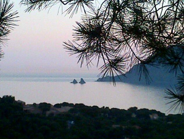 Point de vue magnifique, vacation rental in Saint-Mandrier-sur-Mer