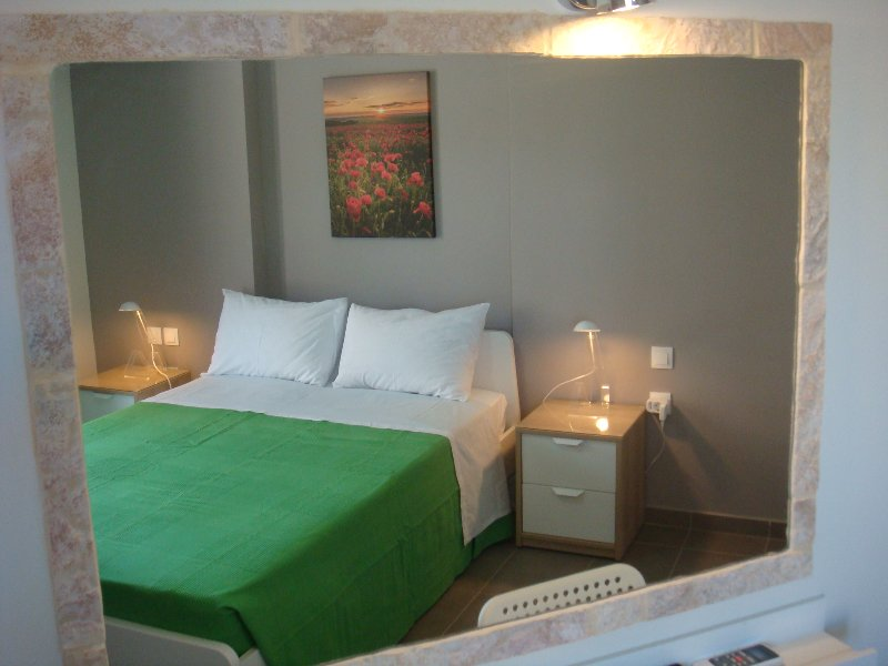 Summer colours in  the double-bedded room
