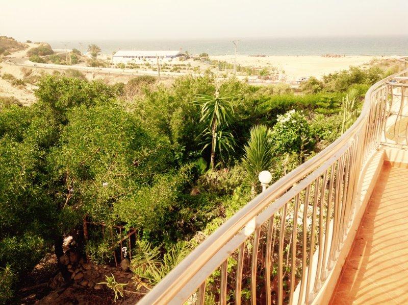 Location de vacances en Face de la plage, Ferienwohnung in Imi Ouaddar