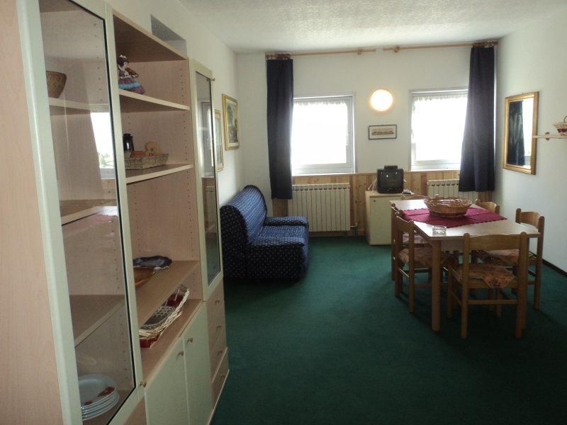 Appartamento comodo e moderno, holiday rental in Comasine