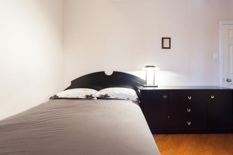 # 2 dormitorios con cama de matrimonio