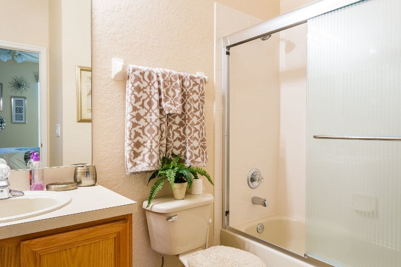 Ensuite Queen Bathroom