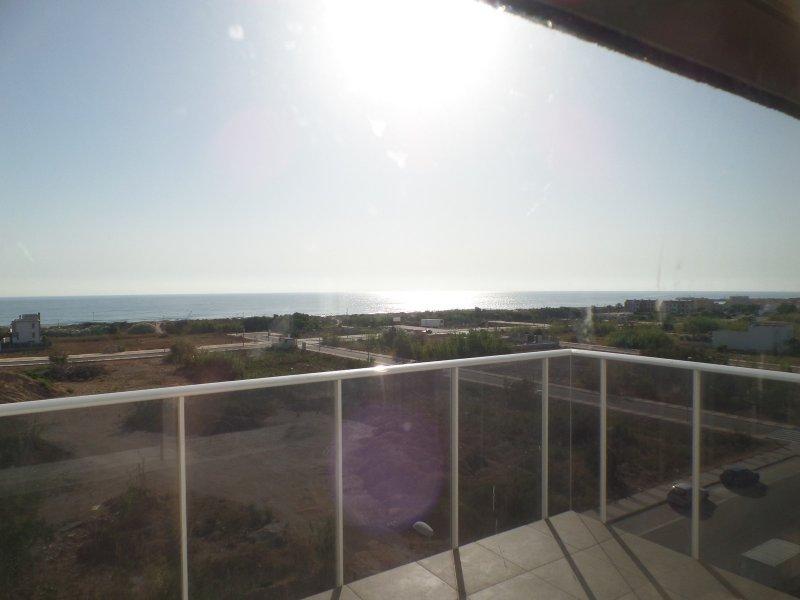Apartamento con vistas al mar, holiday rental in Piles