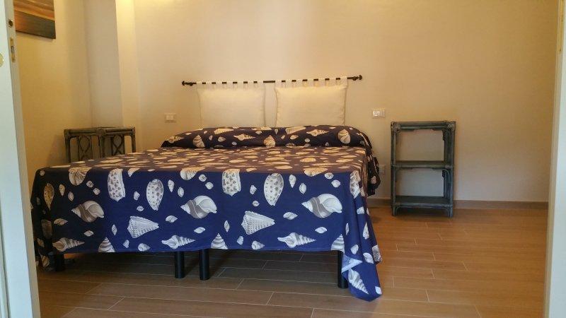 Nuovo appartamento centrale vicino alla spiaggia, location de vacances à Levanto