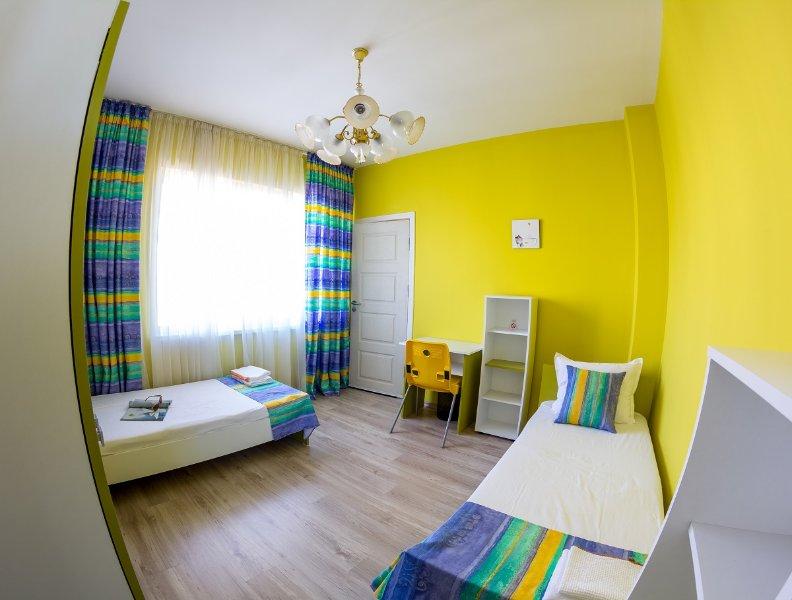 Solig, bekväm lägenhet för 6 personer i centrum av Varna