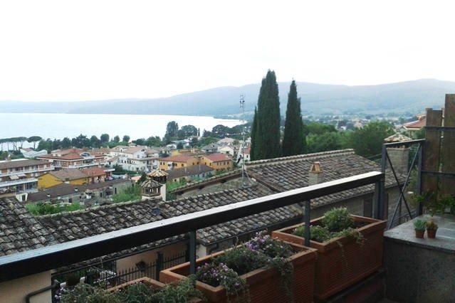 Blick von der Veranda: herrlichem Blick auf den See!
