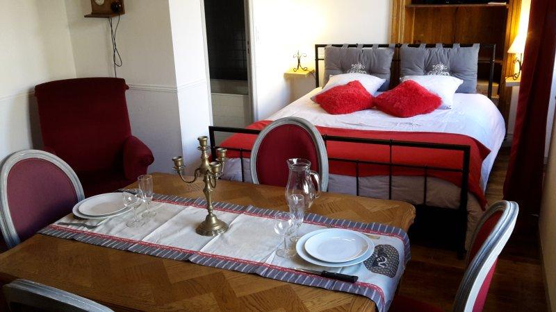 Romantique 2 studio classé ***, aluguéis de temporada em Atur