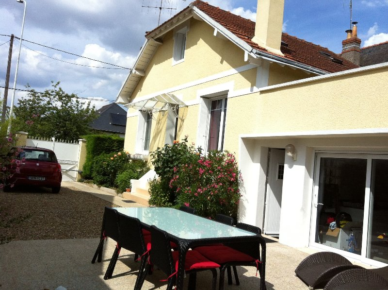 Charmante maison annees 30, holiday rental in Tours