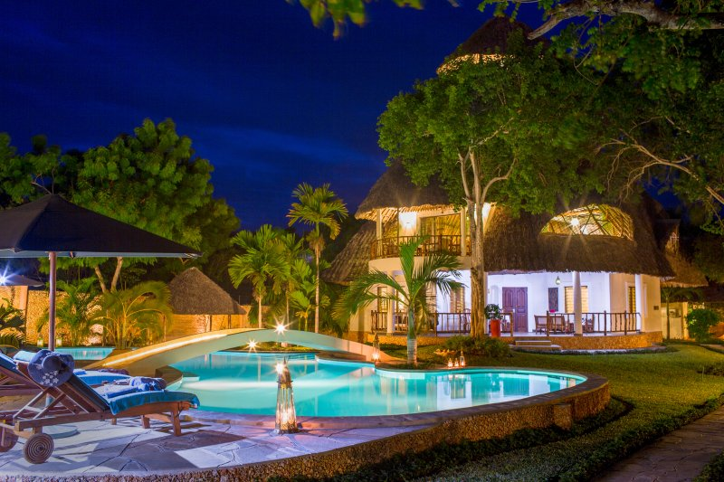 Villa Kapungu - Staff, Pool, Gym, Privacy, View, holiday rental in Diani Beach
