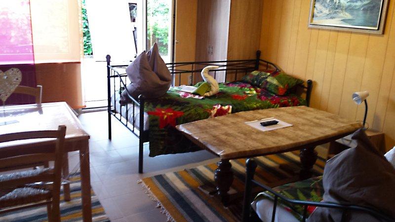 Gemütliche Wohnung mit 2 Schlafzimmern und WLAN, location de vacances à Kindsbach