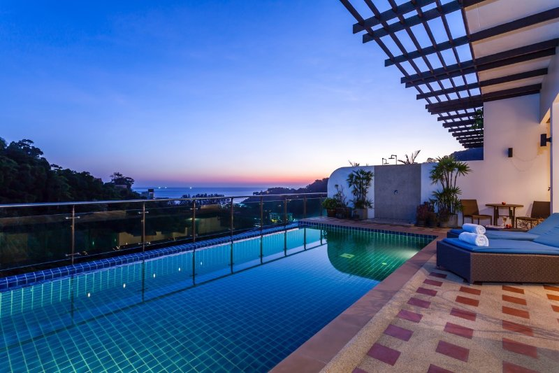 Seaview penthouse with private pool, holiday rental in Kamala