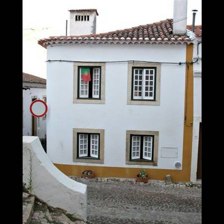Little Casa in Historic Tomar, Portugal, location de vacances à Ourem