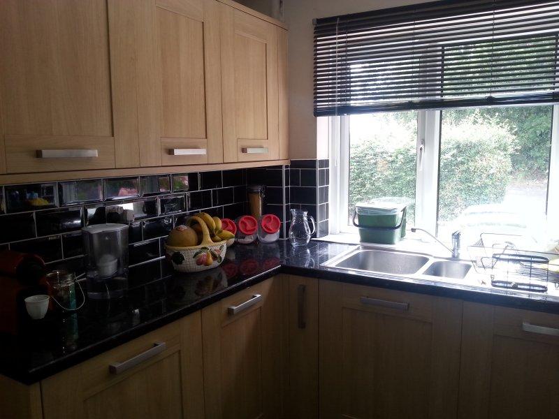 Private Room with two Bunk Beds, holiday rental in Cobham