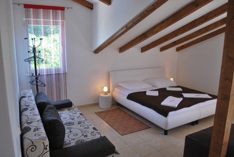 A3 Ferienwohnung Villa Lunaris, holiday rental in Solta Island