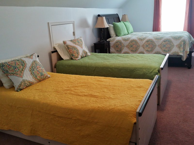 Twin beds with trundle