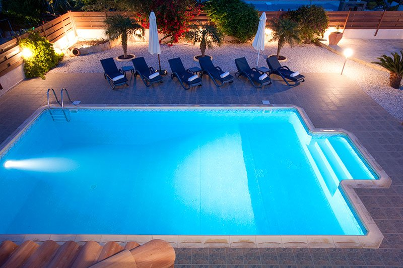 Fab 10x5mtr pool with feature lighting!