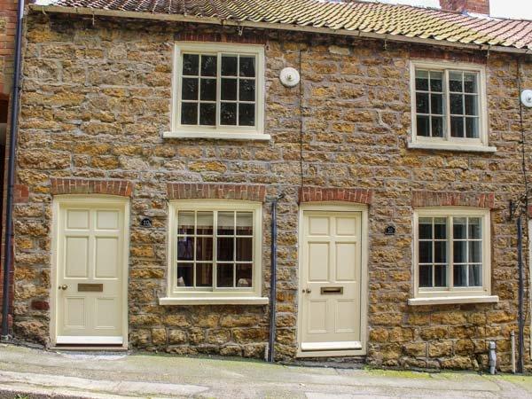 ACORN COTTAGE, pet-friendly, romantic cottage, WiFi, in Tealby near Market, location de vacances à West Barkwith