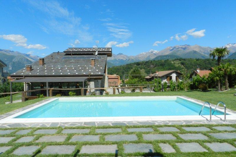 Villa con piscina privata e 2000mq giardino privato
