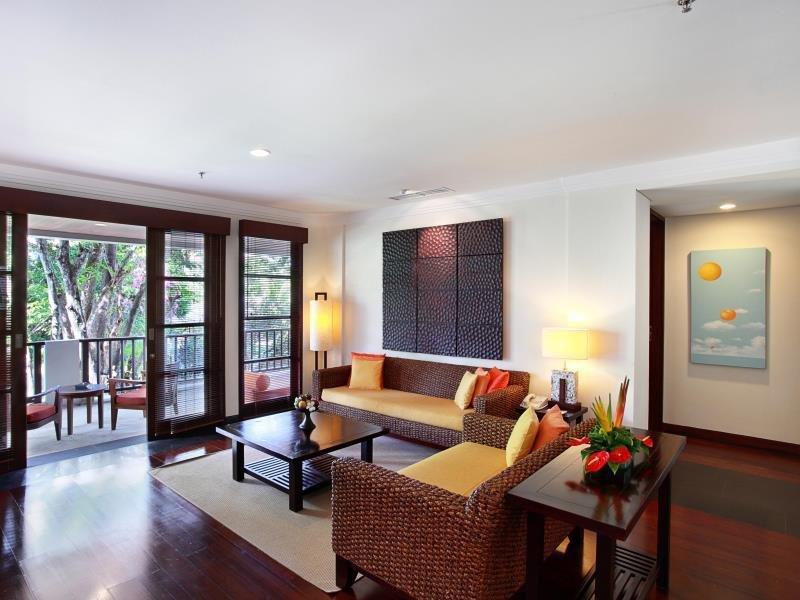living room+balcony