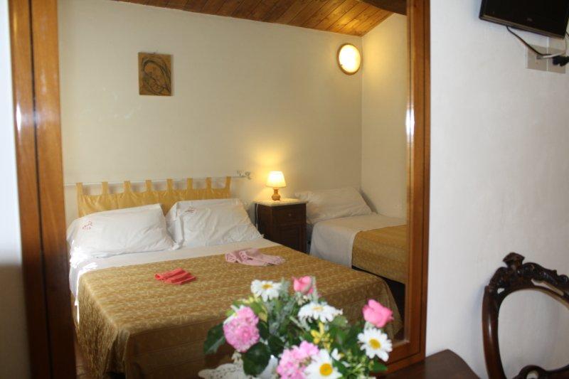 frutteto casa con giardino privato, aluguéis de temporada em Sansepolcro