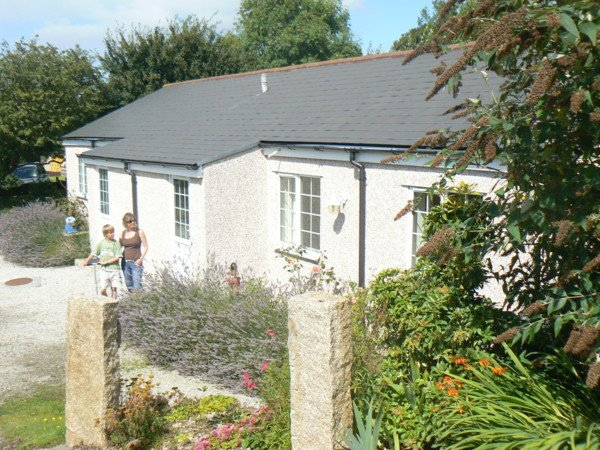Self Catering Cottages - Tehidy Holiday Park, holiday rental in Threemilestone