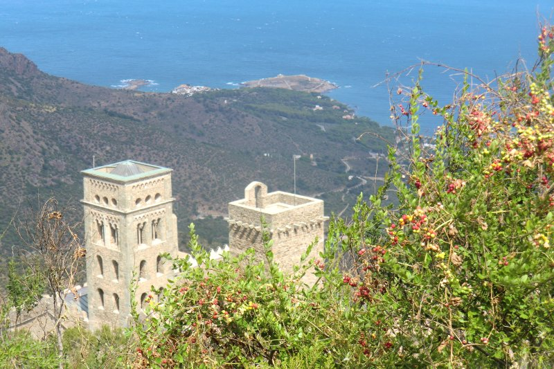 An exit in Spain: Sant Pere de Rodes, 500 meters above the sea.